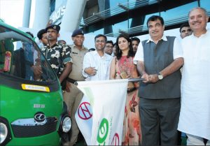 Nitin Gadkari, Minister of Road Transport and Highways, Shipping and Water Resources, River Development and Ganga Rejuvenation (second from right), flags off the e-rickshaws for last-mile connectivity, at Huda City Centre metro station, Gurgaon